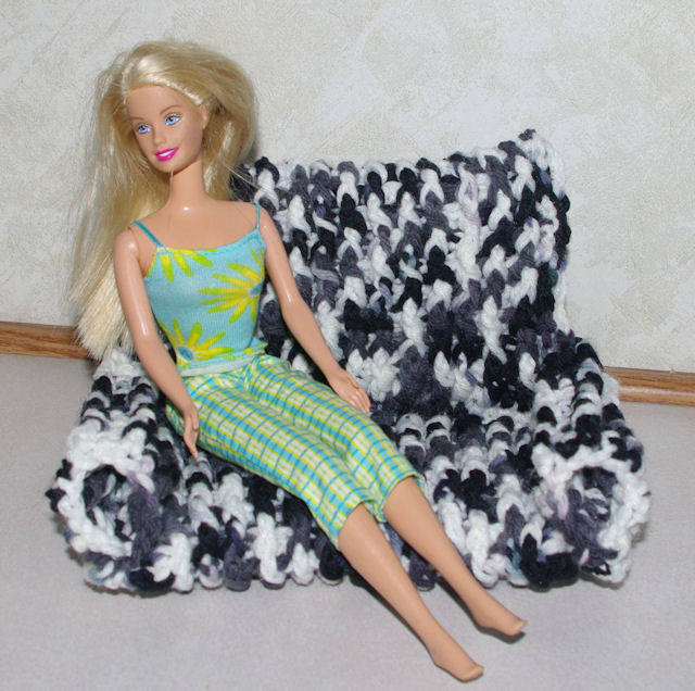 Fashion Doll Loveseat Free Crochet Pattern