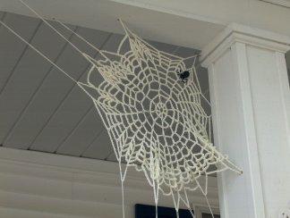 Crochet Flower Pattern - Snowball Mum The Crafty Tipster