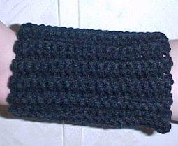 craftydill: pattern : crocheted wrist warmers